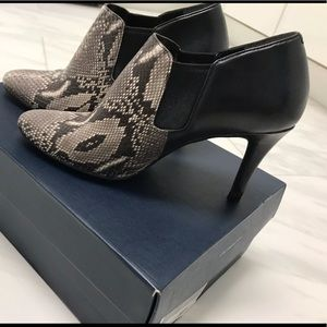 Cole Haan snake print leather ankle Bootie Size 5B